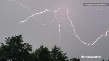 What a lightning strike really looks like, in slow motion
