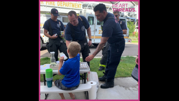 Little boy opens lemonade stand in late father's honor