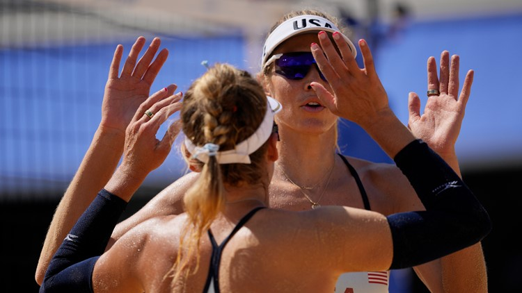 US women open with beach volleyball win
