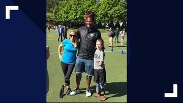 Seahawks linebacker surprises Oregon boy with new running prosthetic