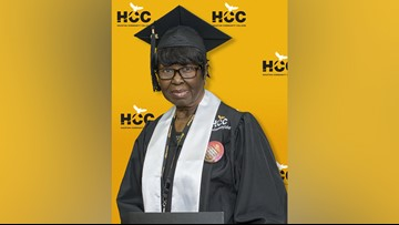 80-year-old Texas grandmother graduates from college