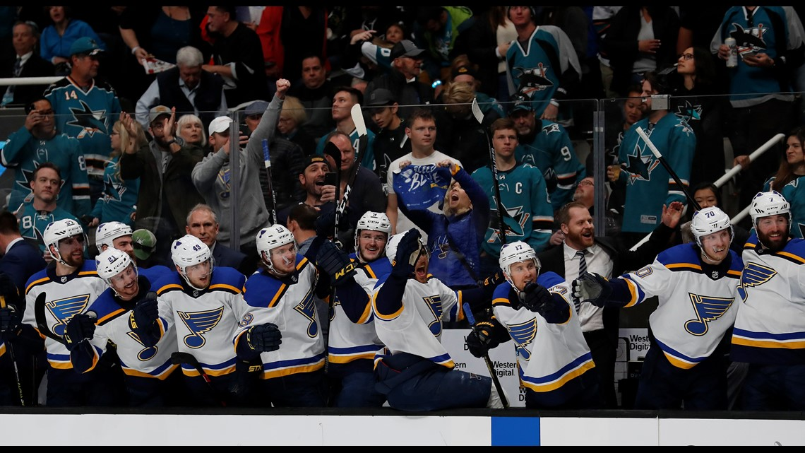 Schwartz hat trick leads Blues' dominating 5-0 win over Sharks in Game 5