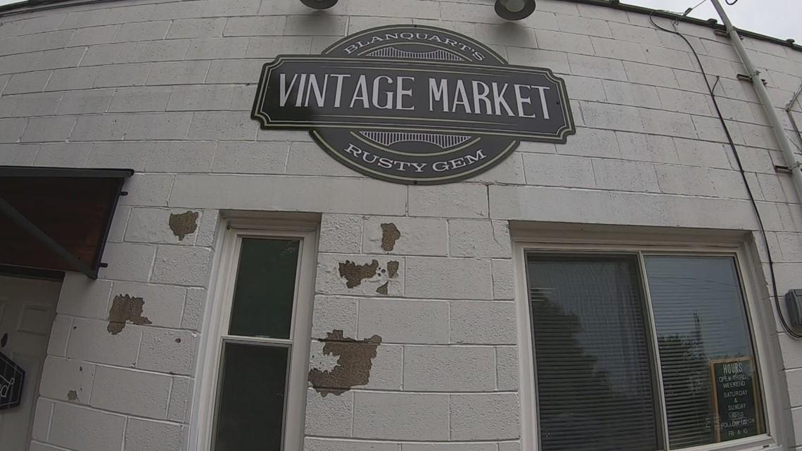 Small STL: Vintage Market