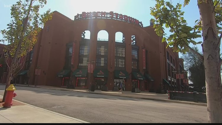 Cardinals fans and businesses excited for winning streak, Wild Card game