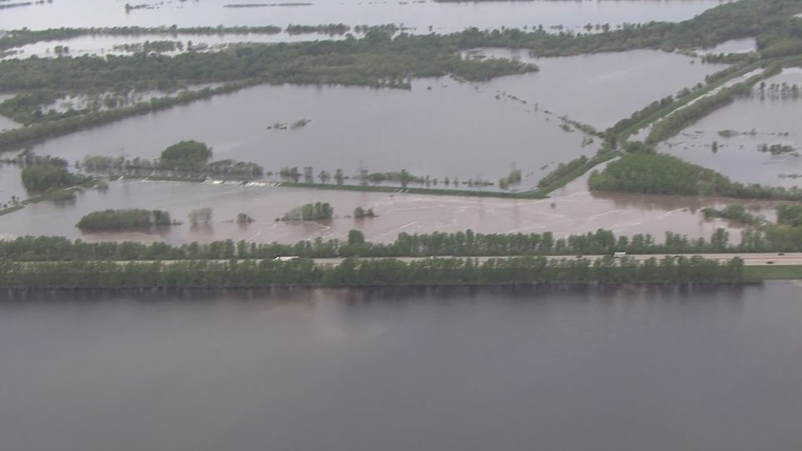 RAW: St  Charles County levee breaches during flooding on May 6, 2019