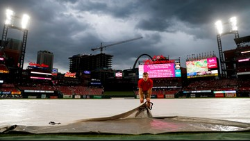 Reds-Cardinals game postponed by rain; doubleheader Aug. 31