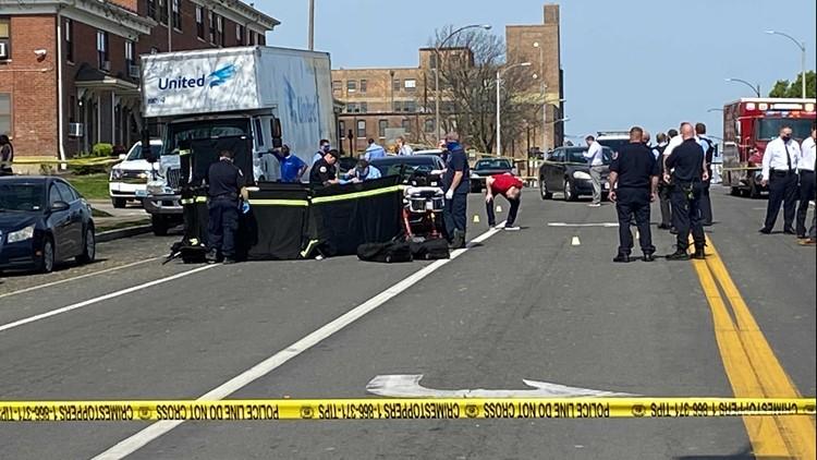 Man killed in shooting near Clinton Peabody apartments Tuesday morning