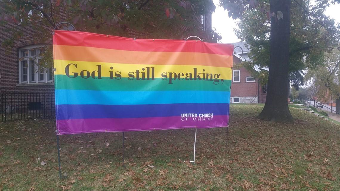 telephone rencontre gay bar à Saint Louis