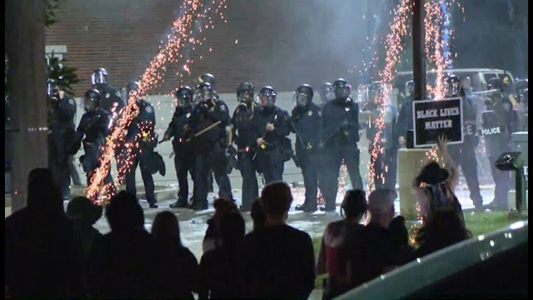 Ferguson mayor declares state of emergency, issues 8 p.m. curfew