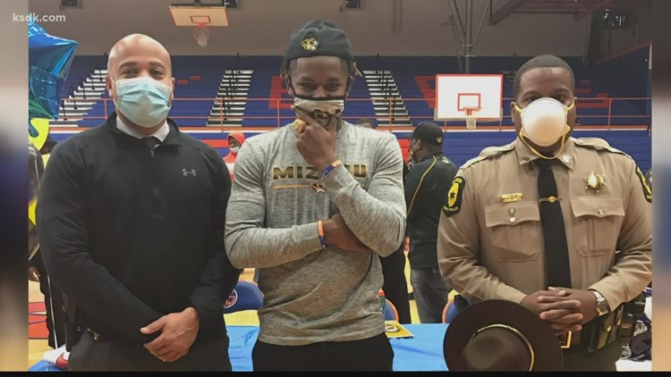 'We just formed a special bond'   East St. Louis football star's friendship with state trooper runs deep