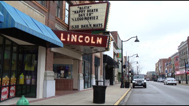 $15 minimum wage passes in IL Senate, gets praise, backlash from Illinoisans