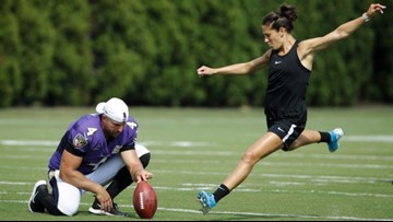 Carli Lloyd goes the distance at Eagles practice
