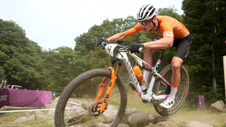 Dutch mountain biker Van der Poel crashes big at Sakura Drop