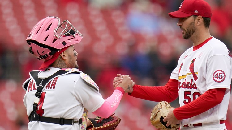 Molina and Wainwright combine for more memories, this time with a Mother's Day flair
