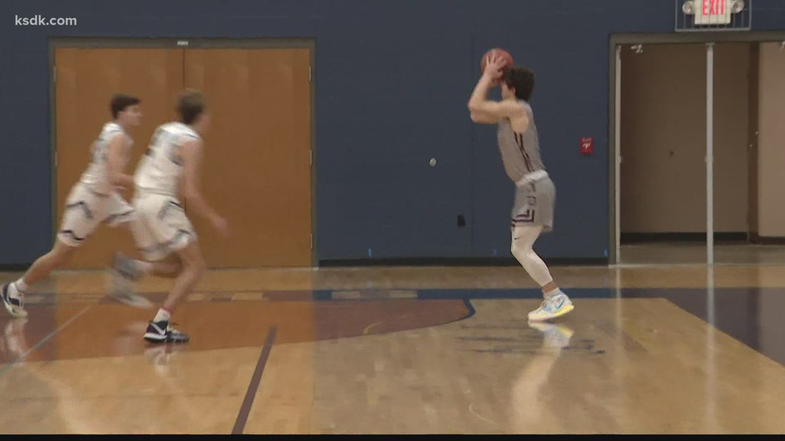 De Smet beats St. Dominic to advance in high school playoffs
