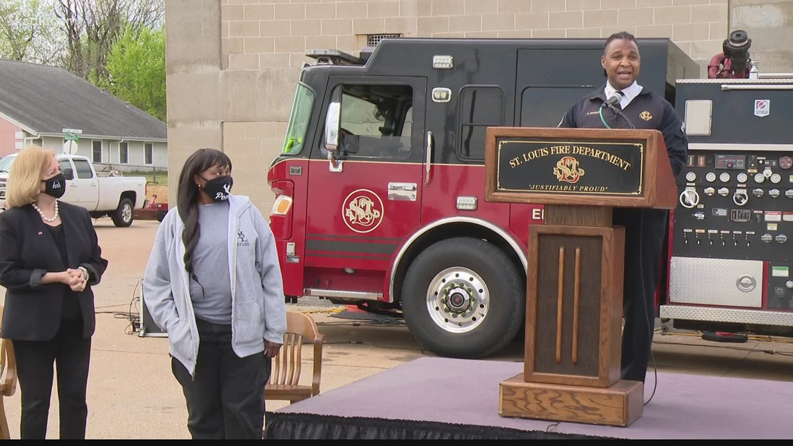 St. Louis city employee honored for stopping to help