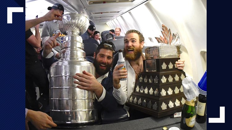 blues on the plane stanley cup