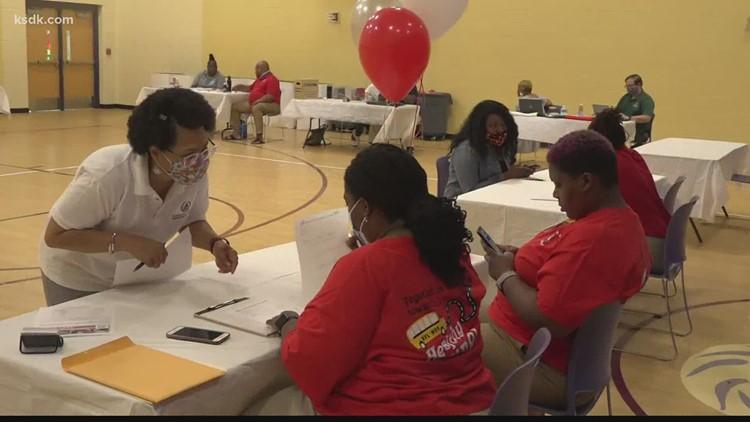 Help wanted: School districts, restaurants, retailers in Missouri looking for staff