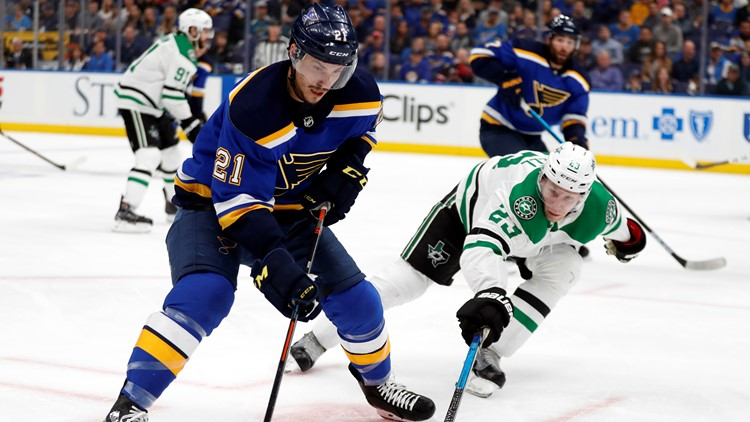 Tarasenko's 2 goals help Blues to 3-2 win over Stars in Game 1