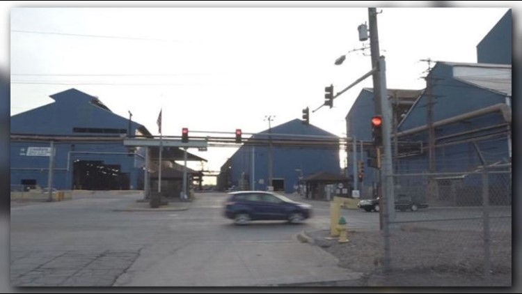 2 workers taken to hospital after leak at granite city steel plant