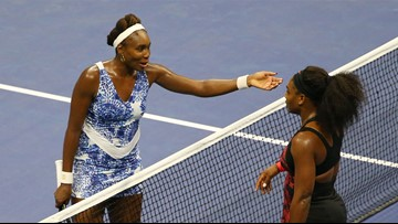 Venus and Serena both win at US Open, setting up all-Williams third-round match