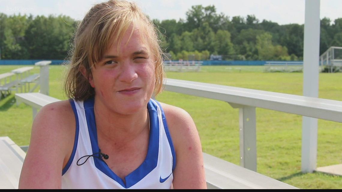Teen with rare condition scores special goal for Ladue High School field hockey team