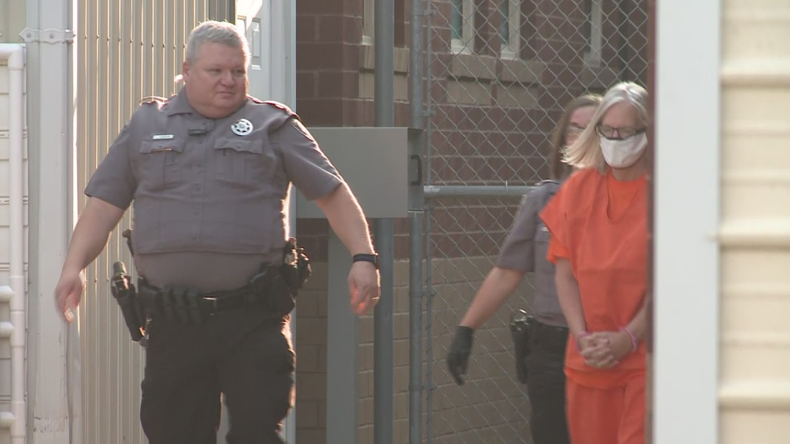 Raw: Pam Hupp arrives for hearing on Betsy Faria murder charge