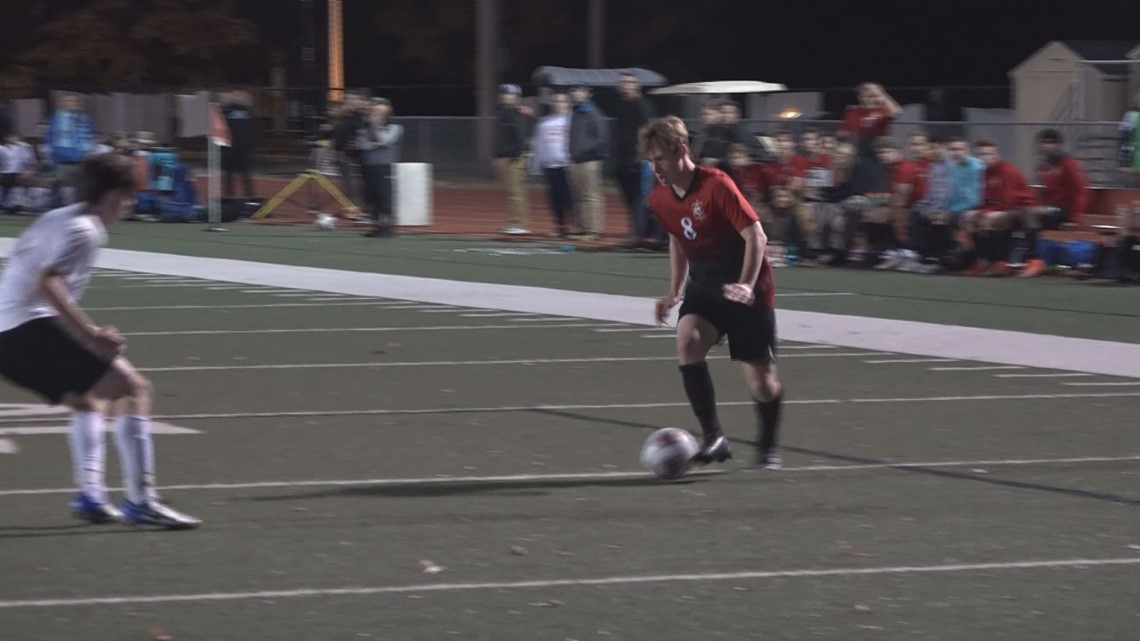 'I couldn't live this lie'   Parkway Central senior thriving as openly gay soccer star