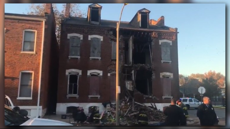 2 people hit by bricks after building partially collapses in Old North St. Louis