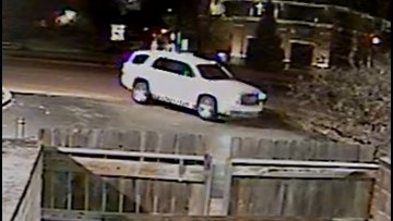 Creve Coeur Police looking for gas station 'skimmer' suspects