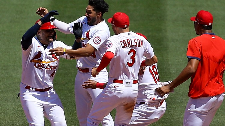 Molina's walk-off caps off Cardinals' sweep of Marlins