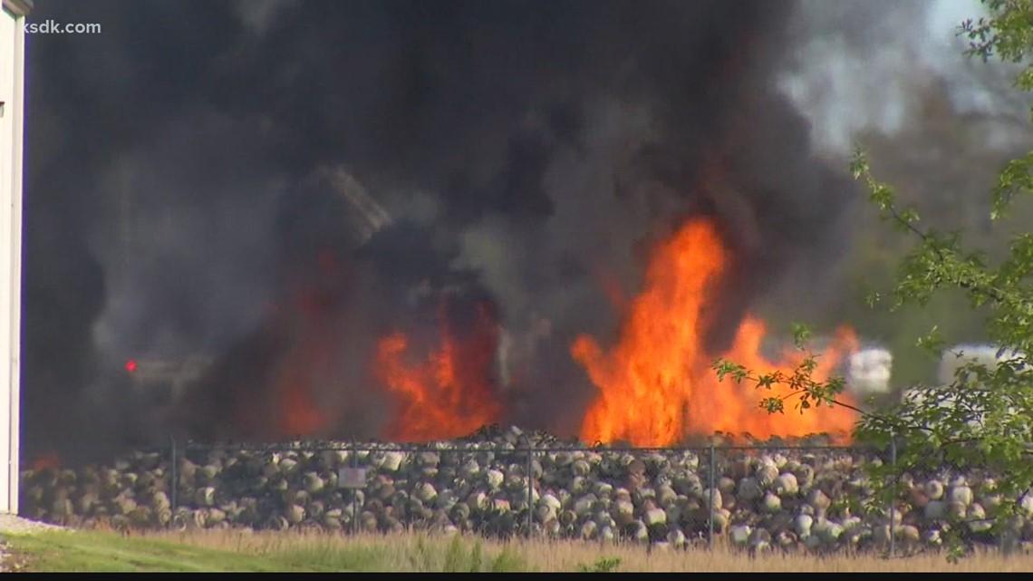 10,000 portable propane tanks caught fire