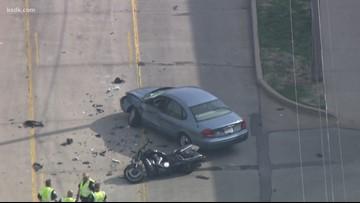Man killed in crash between motorcycle and car in Creve Coeur