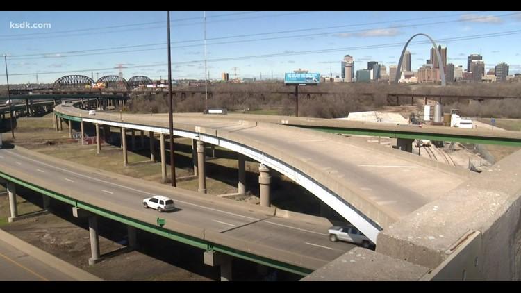 Eastbound I-55/64 lane closures across Poplar Street Bridge begin April 1
