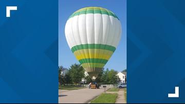 Hot air balloon lands in Wentzville subdivision
