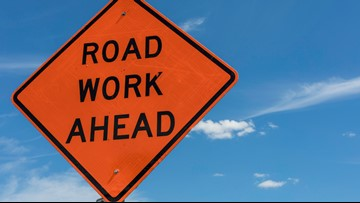 Lanes of EB I-55/64 over Poplar Street Bridge to close to install news signs, pavement markings