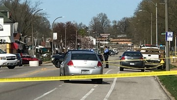 Homicide unit investigating after 2 men shot in St. Louis Monday afternoon