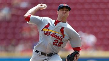 Goldschmidt, Edman homer, Cardinals edge Reds 5-4 to stay in 1st