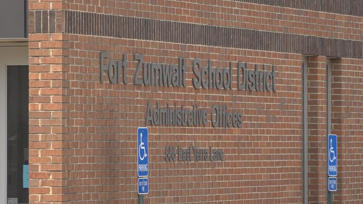 Parents in Fort Zumwalt School District sign letter pushing for mask mandate for upcoming school year