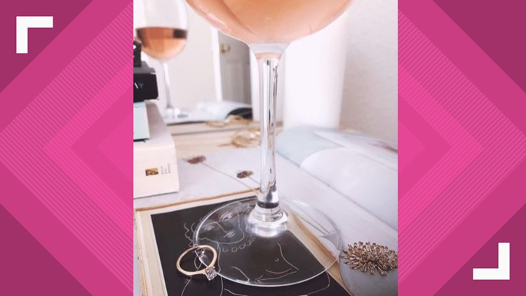 You'll be able to shop for jewelry with a cocktail in hand at a new 'Diamond Bar'