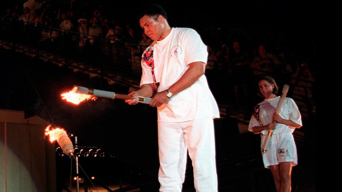 Atlanta 1996: Muhammad Ali lights Olympic cauldron