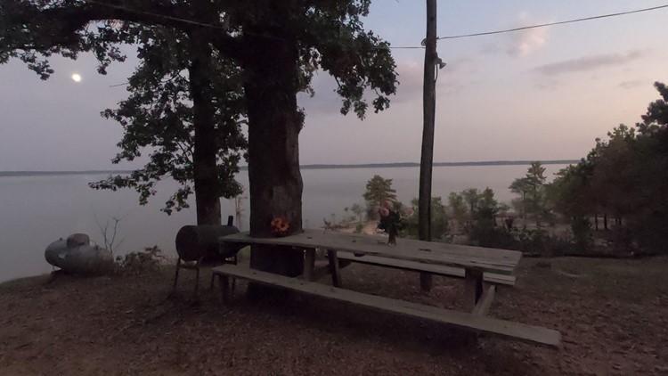 picnic table memorial