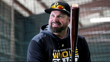 'You have a date!!!' | Garth Brooks and Adam Wainwright set up baseball date over Twitter