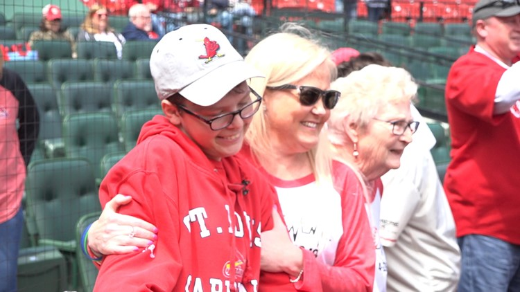 Cardinals give mother-son transplant recipients unforgettable day