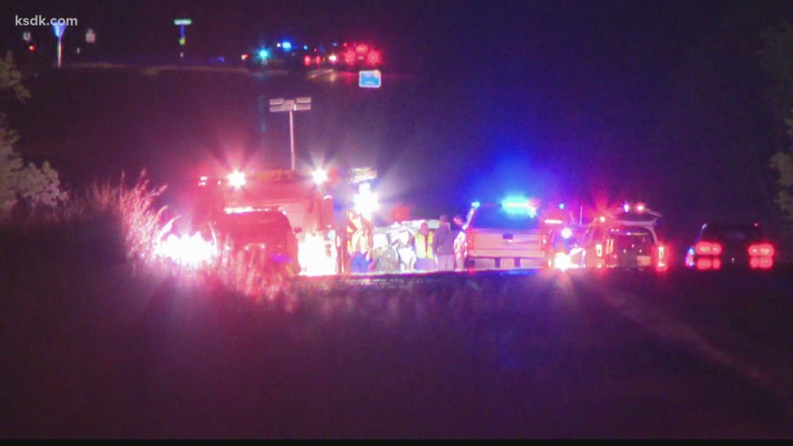 2 adults killed, 3 children injured in 2-car crash in Jefferson County