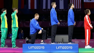American Fencer kneels during national anthem at Pan-American Games