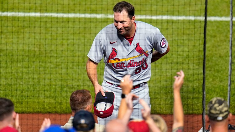 Commentary: Ageless Adam Wainwright is bright spot in Cardinals' underachieving season