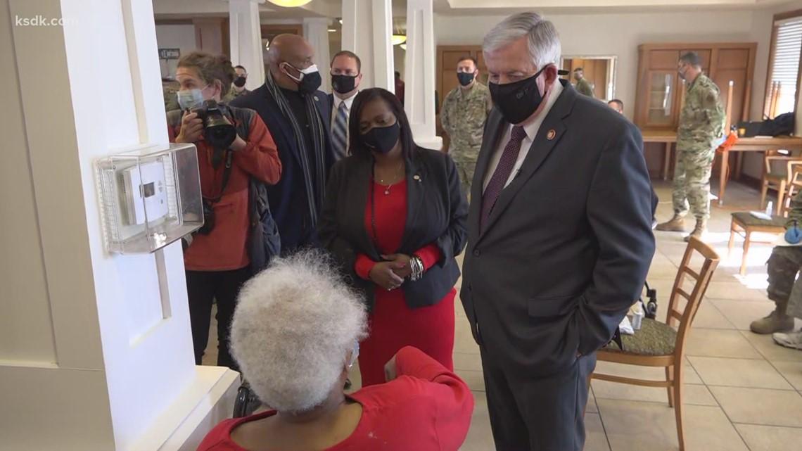 Missouri Gov. Parson visits St. Louis area vaccine clinics