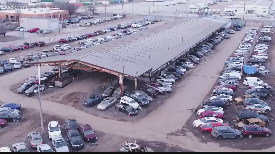 Missing cars & money; Comptroller's audit of St. Louis City Tow Lot exposes mismanagement