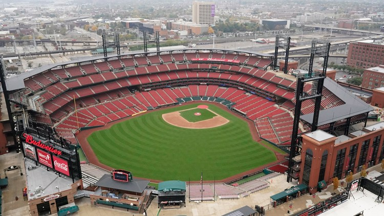 Cardinals approved to host fans at Busch Stadium